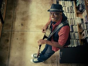 Keb' Mo' is keeping blues cool