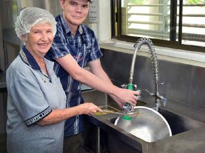 Gympie Lions Club give $1500 to Meals on Wheels