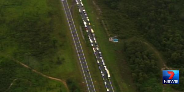 Elimbah crash Channel 7 footage of traffic