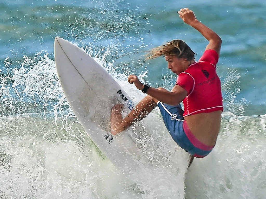 Noah Kearney in the Windansea Pa and Ma Bendall Memorial Junior Mens surf contest, Moffat Beach.