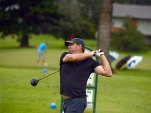 Hundreds tee off in Easter golf tournament at Lismore