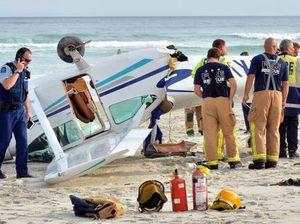 Pilot lands Cessna on NZ beach, dodges beachgoers