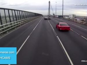 Idiot drifts on Melbourne's West Gate Bridge