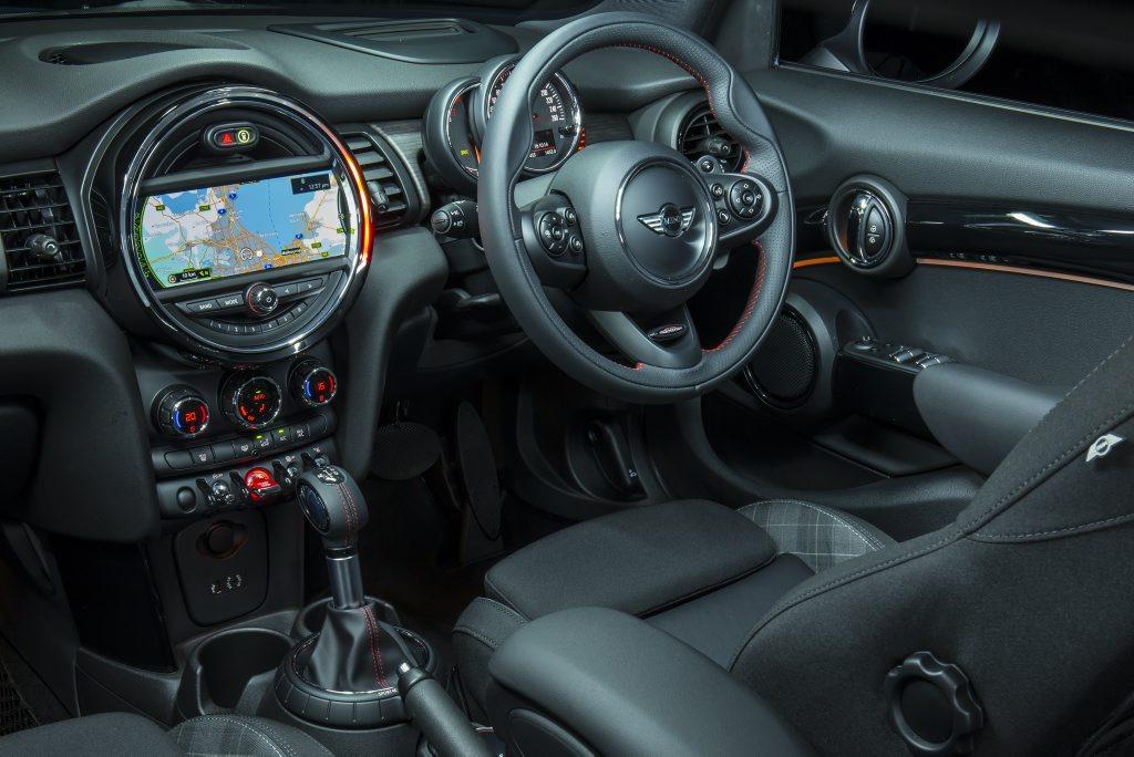 mini cooper s 5-door interior