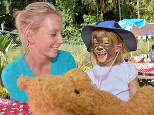 Celebrity sun bear celebrates birthday in style