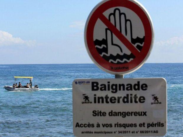 Swimming had previously been prohibited on Saint-Leu de La Réunion beach