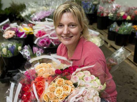 FLOWER POWER: Toowoomba flower Market owner Maree Streidl for Better Business . Friday, Apr 10 , 2015 . Photo Nev Madsen / The Chronicle