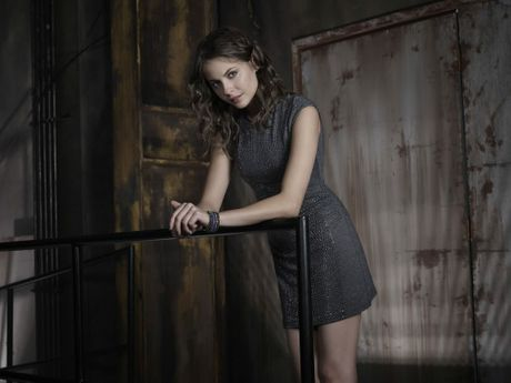 Willa Holland as Thea Queen from the TV series Arrow.