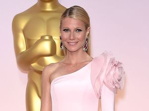 Gwyneth Paltrow advises women to pee in shower