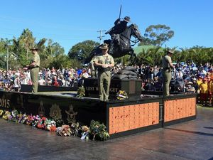 More than 10,000 attend Hervey Bay's Anzac Day march