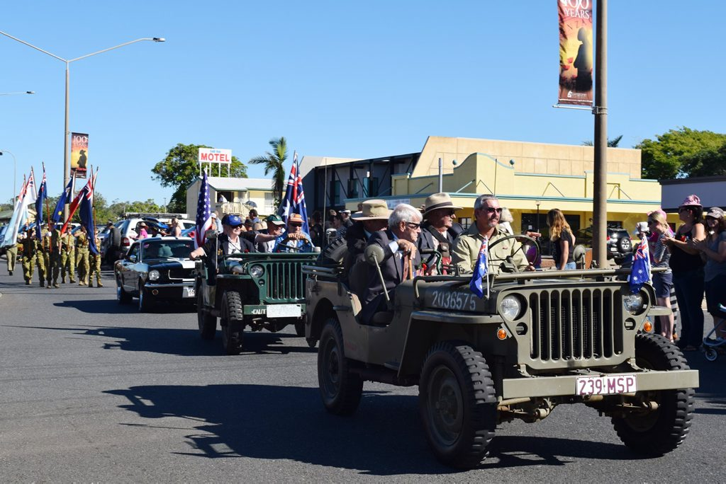Ex-servicemen lead the parade in Yeppoon on Anzac Day. Photo Amy Haydock / The Morning Bulletin