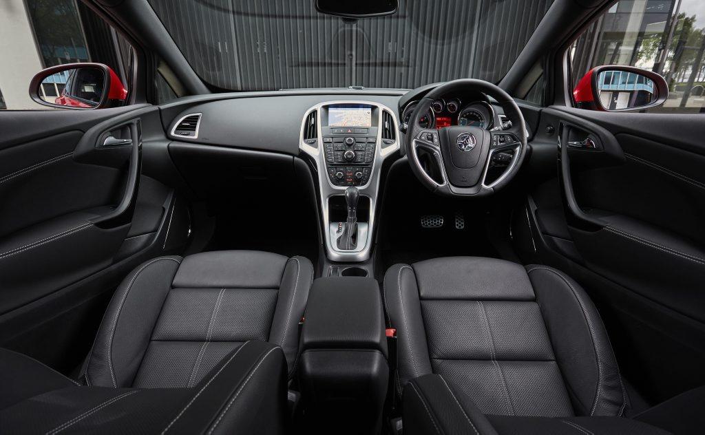 Holden Astra GTC cabin