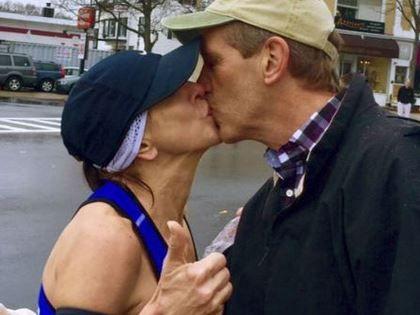Barbara Tatge kissed the man while running the Boston Marathon