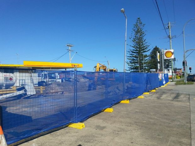 REVAMP: The Shell servo in River St, Ballina, is being revamped and will reopen under new management. Photo Graham Broadhead / Ballina Shire Advocate