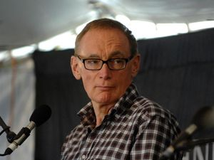 Bob Carr to make diary entry at Readers and Writers Festival