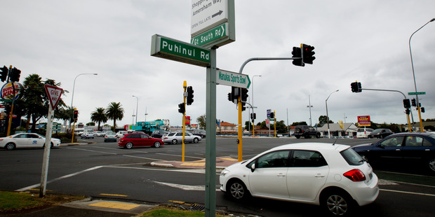 he incident happened at the intersection of Great South and Puhinui Rds in the Auckland suburb of Papatoetoe