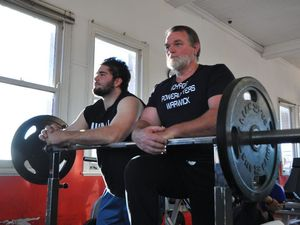 VIDEO: Powerlifters aim to set records