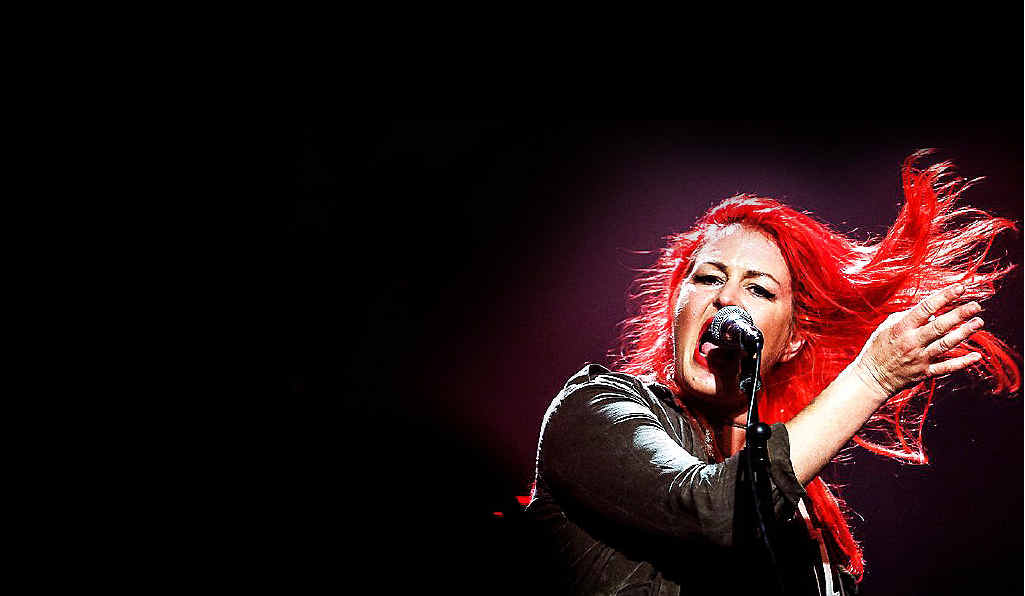 Australian singer Dallas Frasca and her band crowd funded more than $22,000 to record their latest album.