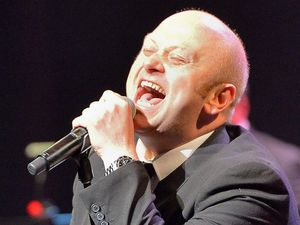 Andrew Strong performs Mustang Sally