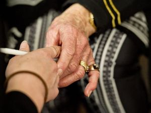 Call for volunteers to visit isolated elderly people at home