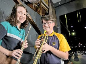 Orchestra musos inspire high school students