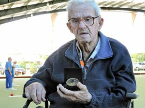 100-year-old bowler honoured by Bowls Queensland