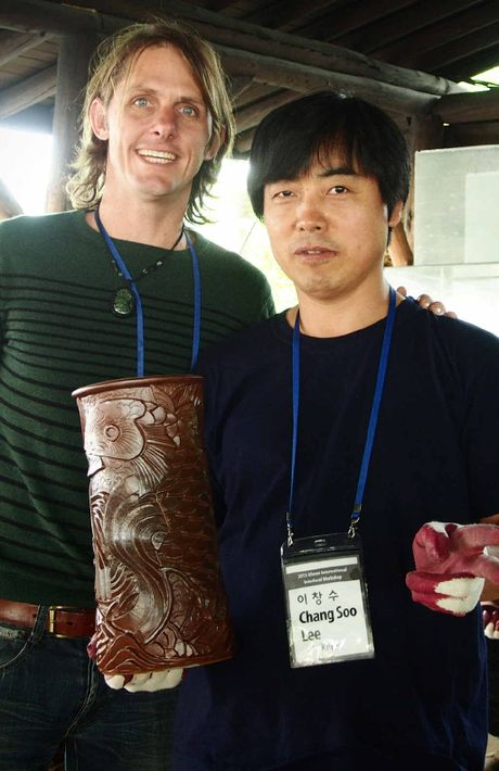 Renton with a fellow artist during the workshops in Icheon.