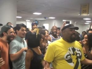 Lion King and Aladdin song-battle at airport