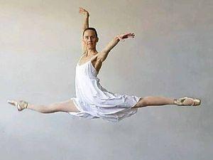 Ballet company performing Les Sylphides tours Crows Nest