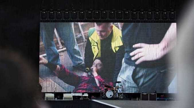 Grohl and his band completed the show after he broke his leg during the fall and returned to the stage.