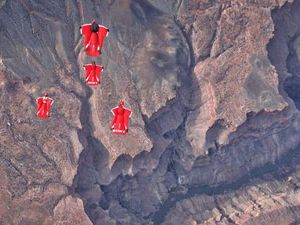 Aussies make history in skydive across Grand Canyon