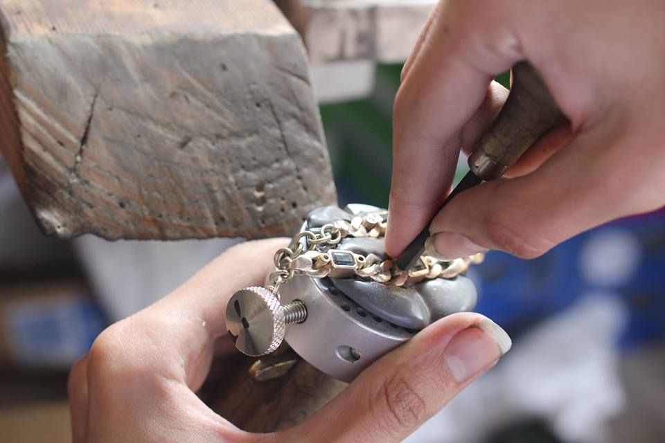 Matthew Alexander is proud to be part of the younger, new wave of jewellers, intricately and carefully restoring and creating pieces.