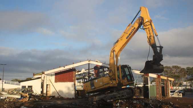 Demolition of Coolum Pub