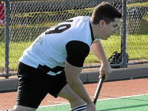 Steve grabs a hat-trick in A-grade men's hockey