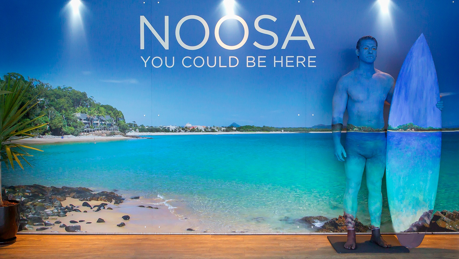 Body painter dares Melbournites to run away to Noosa | Sunshine