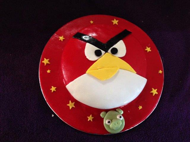 Over on our Facebook page we asked you to share some photos of cakes that you've either made or received. There was no shortage of responses with some incredible creations shared. Here are some of our favourites. Nicky Frances Davies' Angry Birds cake.