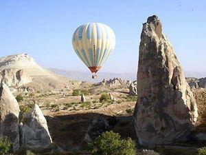 Eighteen tourists injured after balloon crash in Turkey