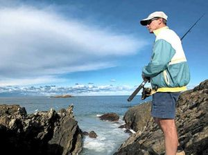 Boaters, rock fishers warned of dangerous surf conditions