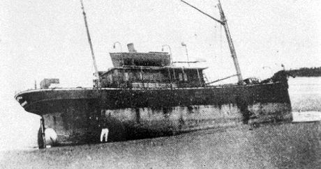 S.S. Dicky shipwrecked close to Caloundra ca 1893.