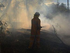 Large grassfire under control near Emerald