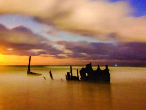 Photographers' last chance to capture iconic SS Dicky