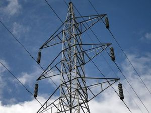 Power knocked out for 373 users north-west of Warwick