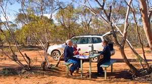 Loop Road picnic area in Mungo National Park. Photo: DECC