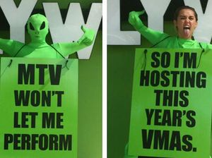 Miley Cyrus, aka the green alien, to host VMAs