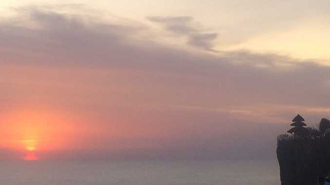 The ash cloud that cancelled flights from Bali to Australia as captured by Roma local Jackie Erickson. Photo Contributed.