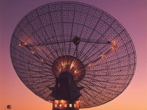 Scientist: 'think twice before replying to alien signals'
