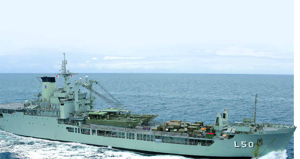 A battle has begun between the Wide Bay region and Tasmania to secure the decommissioned Navy heavy-lift HMAS Tobruk as a dive wreck.