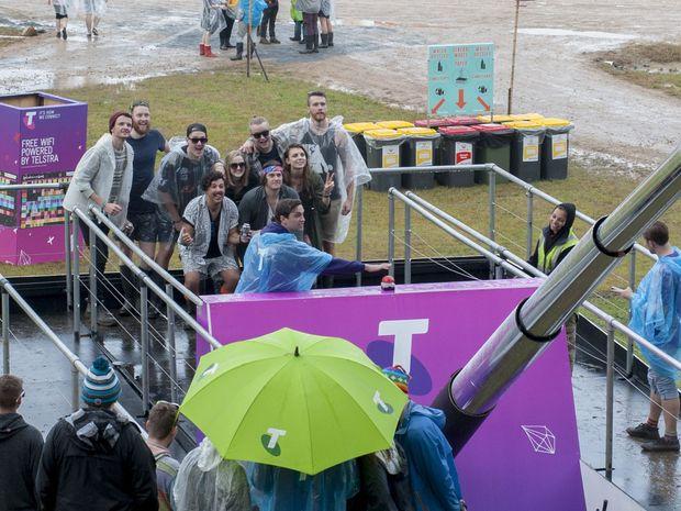 world 39 s biggest selfie stick unveiled at splendour coffs coast advocate. Black Bedroom Furniture Sets. Home Design Ideas