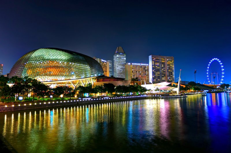 Visitors can eat like kings (or queens!) with very minimal outlay in Singapore.