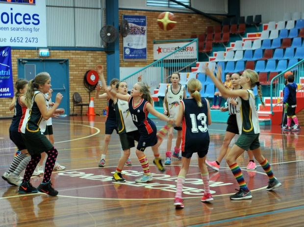 Young basketballers came together at Sportz Central for a fun morning that raised funds for Eve Guy.